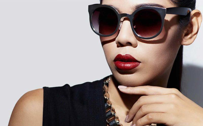 Chic woman wearing sunglasses